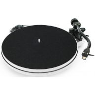 PRO-JECT RPM 1 Carbon Belt Drive Turntable White